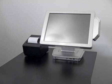 touchscreen: Pantalla t�ctil LCD de la caja registradora para los restaurantes con la impresora fiscal Foto de archivo