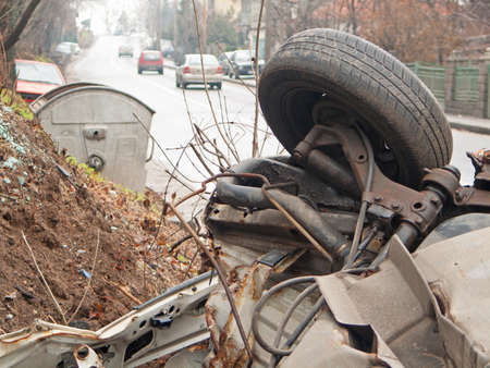 accidente transito: Peque�o accidente de coche despu�s de un accidente de tr�fico