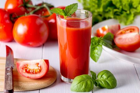 Imagen con jugo de tomate.