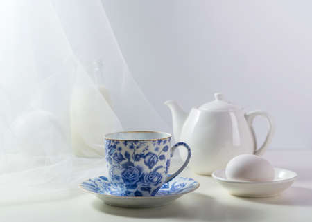 Picture with a porcelain cup.