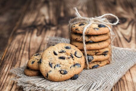 Cookies with chocolate on rustic background 版權商用圖片