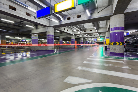 parking sign: Underground parking aisle