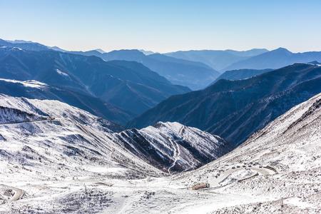 snow mountains in Sichuan China Reklamní fotografie - 123026228