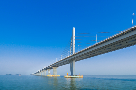 most nad morzem w Zhuhai w Chinach