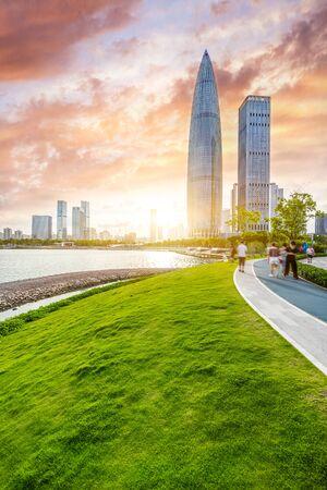 park under sunset in city of Shenzhen China Imagens