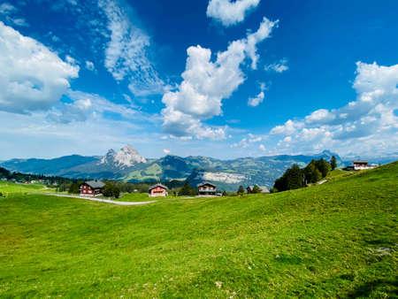 Beautiful villiage in Swiss Alps with no people Standard-Bild