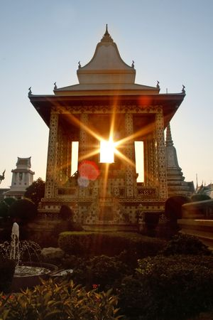 thep: Sunset at Wat Arun (Temple of Dawn) in Bangkok