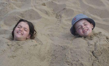 chłopięctwo: Sandboy A Sandgirl Zdjęcie Seryjne