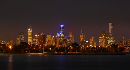 melbourne: Melbourne By Night