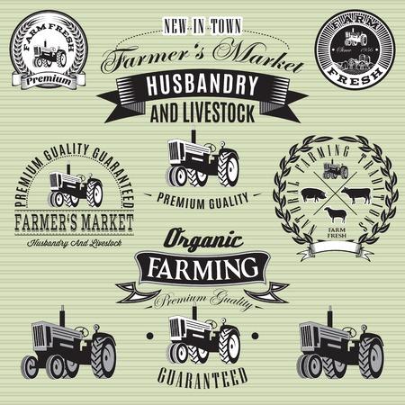 farm fresh: set di etichette vettoriale con un trattore per il bestiame e coltivazione