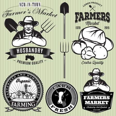 agricultor: conjunto de insignias con el agricultor y verduras para la tienda de los agricultores Vectores