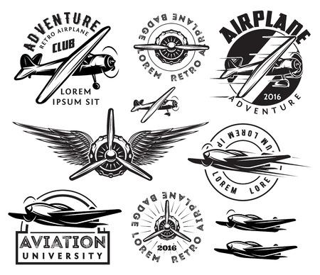 Retro patroon set van monochrome vliegtuigen, badges, ontwerpelementen