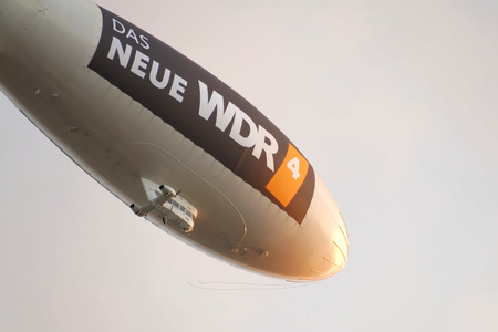 blimp: Zeppelin horizontal