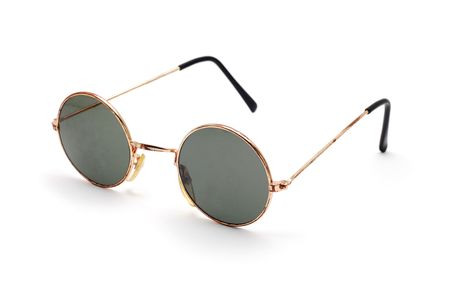 round eyes: retro sunglasses