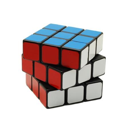 cubo: Caransebes, Rumania, marzo 11, 2009 - el cubo de Rubik aislado en blanco Editorial