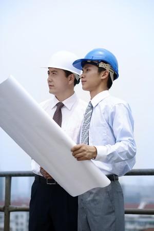 Businessmen having discussion
