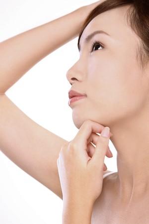 fair skin: Mujer con piel radiante Foto de archivo