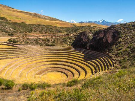 Moray, campos experimentales incas en los Andes peruanos en Cuzco, Perú. Sudamerica.