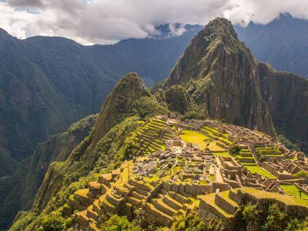 Machu Picchu, Peru - May 22, 2016: View of Machu Picchu ancient inca town. Banco de Imagens