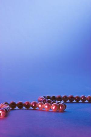 filtered: filtrada fondo azul y rojo con perlas