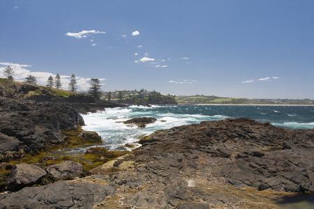 orificio nasal: El espiráculo Kiama es un orificio en la ciudad de Kiama, Nueva Gales del Sur, Australia.