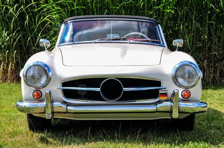 Klassieke witte auto