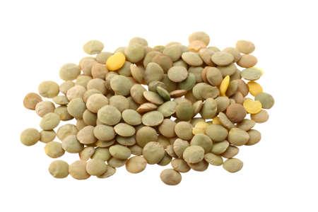 렌즈 콩: Lentils (lens culinaris) on white