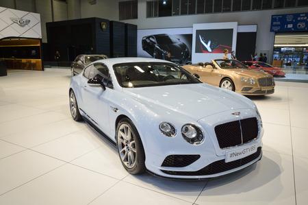 gt: Beylikduzu, Istanbul, Turchia - 28 maggio 2015: Nuova Bentley Continental GT V8S a Istanbul Autoshow 2015.