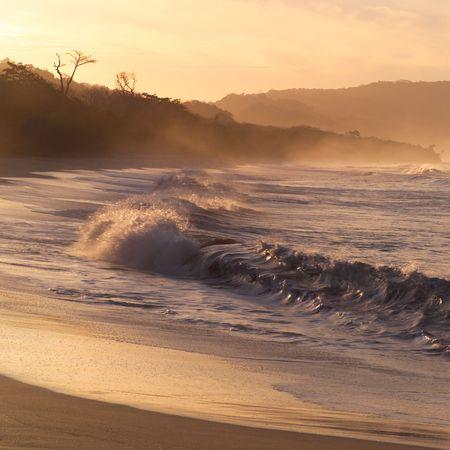 Malpais en Costa Rica, Costa de Costa Rica, al atardecer