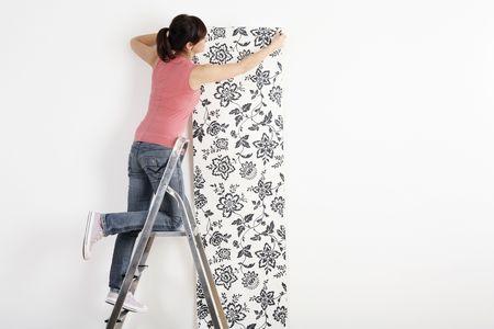 Mujer decoraci�n de pared con papel tapiz