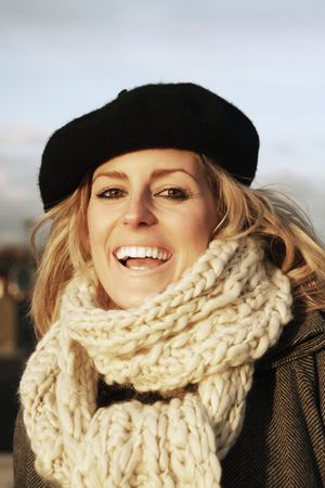 笑いとカメラにポーズの女性 写真素材