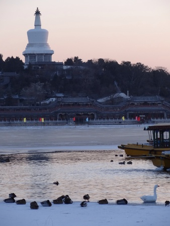 lakeview: Scenic lakeview during winter old beijing
