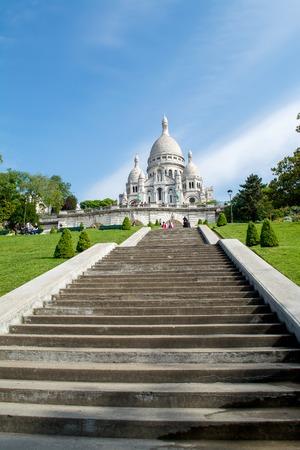 sacre coeur: Sacre Coeur Basilica in Paris.