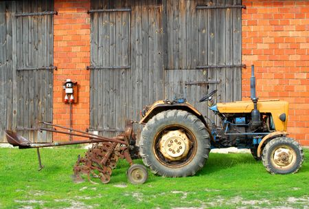 modernization: Tractor and farm, agricultural issues, modernization