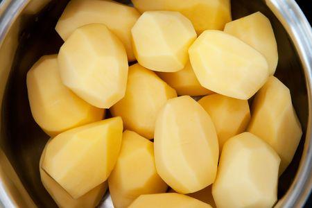 soyulmuş: Patates