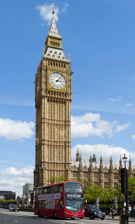 hackney carriage: LONDON, ENGLAND - MAY 30: Big Ben, the Elizabeth Tower at the north end of the Palace of Westminster on May 30, 2015 in London