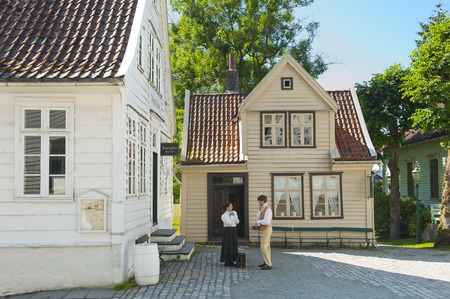 BERGEN, NORWAY - JULY 20, 2018: The Manual printing in the Gamle Old Bergen Museum - the Open Air Museum during the 18th and 19th centuries. Imagens - 120752879