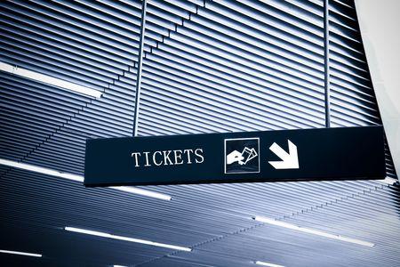 cronograma: el signo de la informaci�n en el aeropuerto de pudong de shanghai.