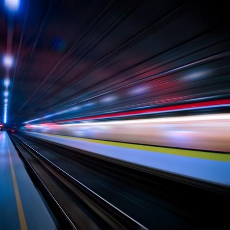 petit train: le fond du train ?rande vitesse avec motion blur en plein air. Banque d'images