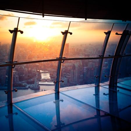 Blick von der Oriental Pearl TV Tower.shanghai Lujiazui Finanzzentrum beiseite den Huangpu River. Lizenzfreie Bilder