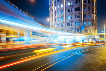 가벼운 산책로에서 밤에 Megacity 고속도로 중국 상하이. 스톡 콘텐츠 - 10619869
