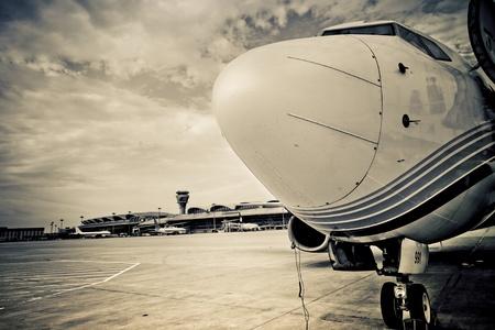 Flugzeug zum Abflug in Pudong Airport Shanghai china warten. Editorial