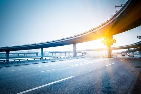 konkrete Straße Kurve der Viadukt in shanghai China outdoor. Lizenzfreie Bilder