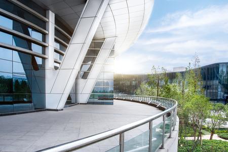 近代的なオフィスの建物外観 写真素材
