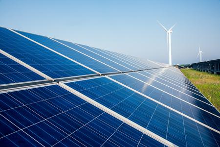 paesaggio industriale: solar energy panels and wind turbine,china. Archivio Fotografico