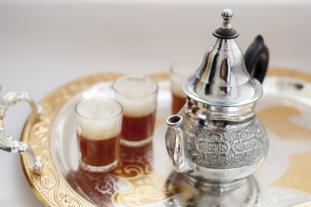 Marokkanischer Tee, grüner Tee Standard-Bild - 77415461