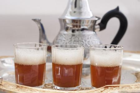 Traditioneller grüner Tee, Westsahara Standard-Bild - 89227232