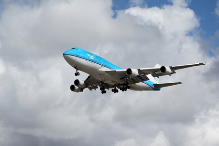 livery: LOS ANGELES, CALIFORNIA, USA - MARCH 8, 2012 - A KLM Boeing 747-400 plane lands at Los Angeles Airport on March 8, 2012. The plane seats 660 passengers and can fly non-stop for up to 7,670 miles