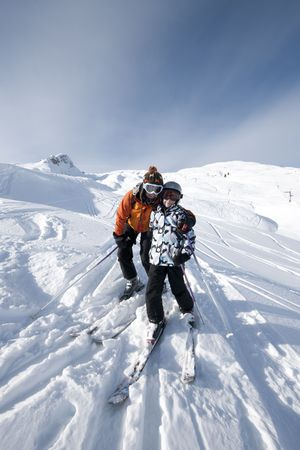 vigilance: skiing, mother and child