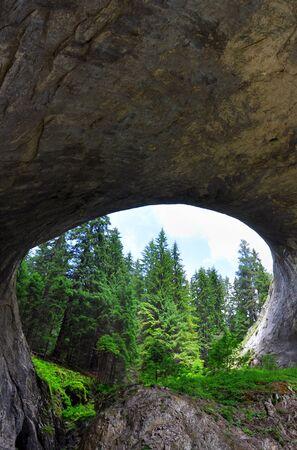 natural phenomenon of an arch in the mountain Standard-Bild